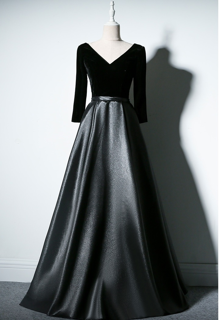 Elegant Black Velvet Evening Gown