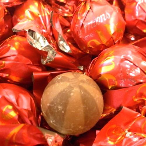 Thorntons Chocolate Caramel Melts
