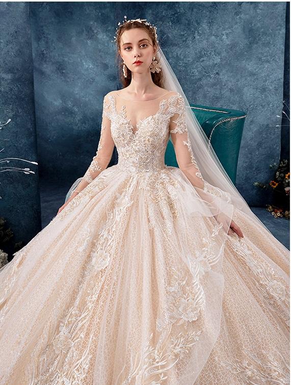 Luxury Floral Long Sleeved Princess Wedding Dress