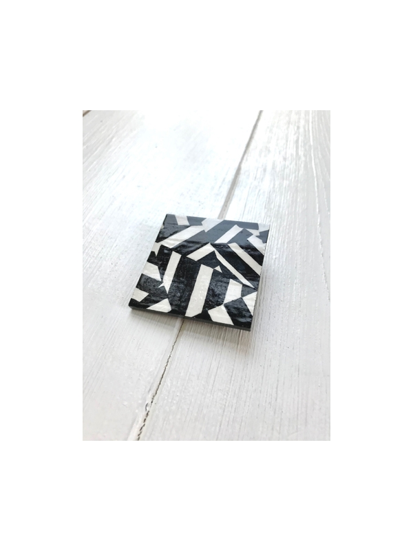 Dazzle pattern brooch